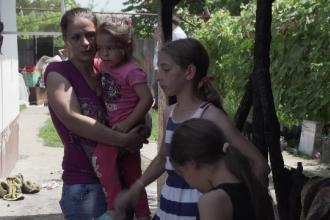 5 frați rămași fără casă, după un incendiu, au nevoie de ajutor: