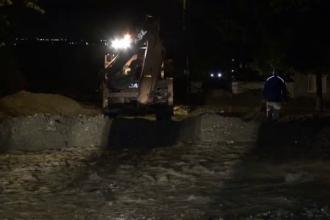 Autorităţile din Neamț sunt în alertă, după codul roşu de furtuni. Un cartier întreg, evacuat