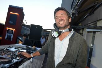 Un artist celebru din Franța a murit, după ce a căzut de la etajul unei clădiri