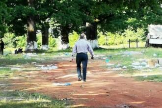 VIDEO. Localnic certat de primar că a strâns gunoiul din pădure