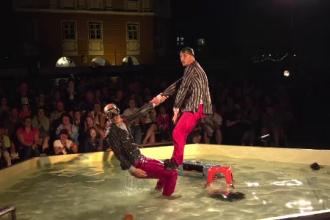 Sibiul continuă să fie capitala teatrului. Spectacole colorate pe stradă ori în spații neconvenționale
