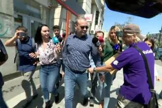 Un protestatar i-a băgat 1 LEU în buzunar lui Vâlcov. Reacția fostului consilier