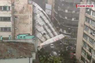 """Ce spune Primăria Capitalei despre schela prăbușită. Vecin: """"N-a lucrat nimeni aici"""""""