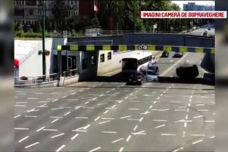 Accident teribil filmat în Timișoara. O mașină s-a răsturnat, șoferița a fost rănită