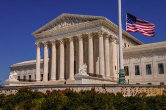 Curtea Supremă din SUA a declarat înjurăturile constituţionale. Explicaţia deciziei