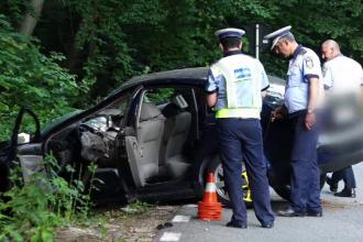 Manevra care i-a adus moartea unui șofer. Cei doi copii ai săi, aflați în mașină, au amnezie
