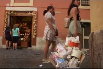 Roma, sufocată de gunoaiele de pe străzi: