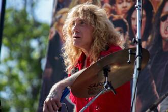Steven Adler, fostul baterist de la Guns N' Roses, a ajuns înjunghiat la spital