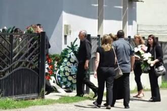 Scene dureroase în Cluj. Tânărul ucis pe trecerea de pietoni a fost înmormântat
