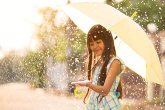 Vreme ploioasă în majoritatea regiunilor din țară. Care vor fi maximele zilei