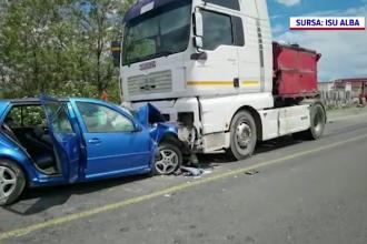 Accident grav pe DN1. Două persoane au fost grav rănite după ce au intrat cu mașina într-un TIR