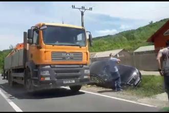 Accident în lanț pe DN71, între Târgoviște și Sinaia. O mașină s-a răsturnat în șant