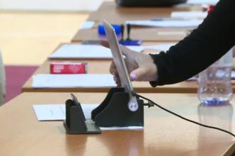 Deputații au votat ca alegerile locale din România să se desfășoare în 27 septembrie