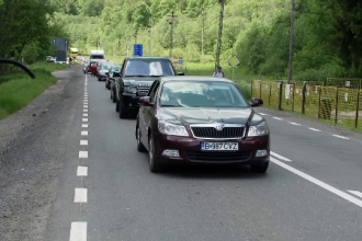 Trafic infernal pe Valea Prahovei. Bucureștenii s-au trezit blocați ore întregi în drumul spre casă