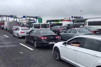 Calvarul românilor care merg în Grecia. Stau 6-7 ore la cozi kilometrice pentru a trece frontiera