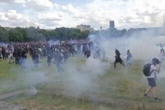 Proteste violente în Franța, cu bombe incendiare şi fumigene. Care sunt solicitările oamenilor