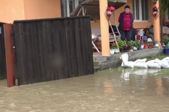 România sub ape. Este cel mai ploios început de vară din ultimele decenii