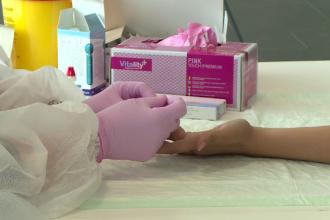 Toți locuitorii din Bazinul Dornelor ar putea fi testați gratuit pentru anticorpii față de Sars-Cov-2