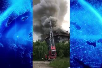 Incendiu uriaș la doi pași de Castelul Corvinilor. Ce s-a întâmplat
