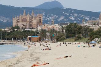 Data de la care românii vor putea călători fără restricții în Spania