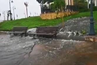 Faleza de lângă Cazinoul din Constanța s-a umplut de apă cu dejecții, după ce un canal a cedat (Video)