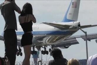 VIDEO Exaltarea cauzată la Londra de sosirea Air Force One.