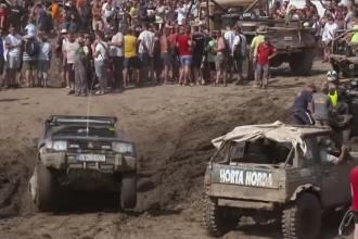 Festival de off-road organizat în Ungaria. Şoferii s-au aventurat pe drumuri accidentate