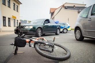 Biciclist ucis de un bolid. Cum a reușit familia victimei să obțină daune morale uriașe
