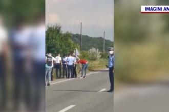 O șoferiță a intrat într-un cap de pod și a murit pe loc. În mașină erau și fetele sale