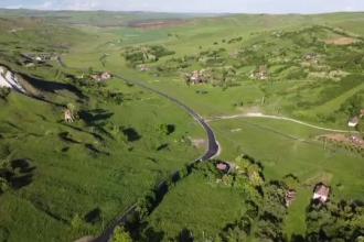 """Trans-Salina, o nouă șosea în România. Drumul va salva două sate aproape complet depopulate: """"Acum e domnie"""""""