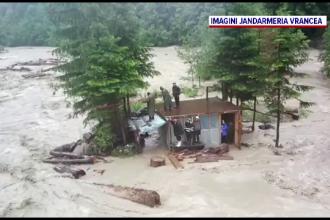 Ploile torențiale au afectat toată țara. Un campion național de off-road și-a pierdut viața