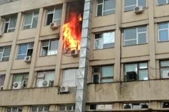 """Incendiu violent la Spitalul de copii """"Sf. Maria"""" din Iaşi. Ministerul Sănătății anunță că nu s-au înregistrat victime"""