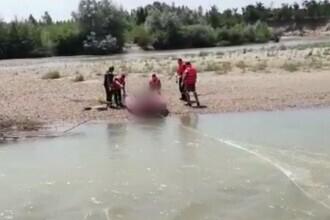 Descoperire șocantă pe malul râului Argeș: Un bărbat a fost găsit mort