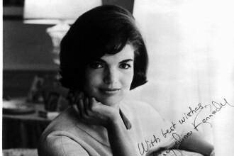 Invata de la Jackie Kennedy secretele seductiei!