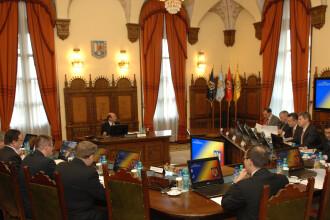 CSAT discuta despre strategia de aparare nationala