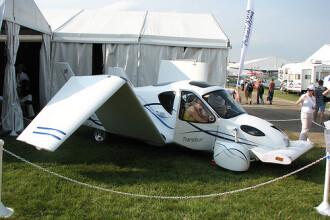 Fa o tura virtuala cu prima masina zburatoare din lume!