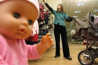 Preturile la jucarii si haine pentru copii s-au injumatatit!