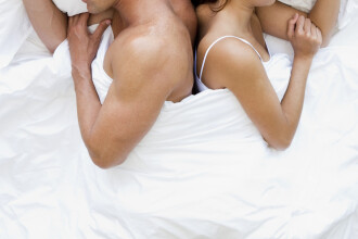 Frecventa orgasmelor feminine depinde de... averea partenerului!