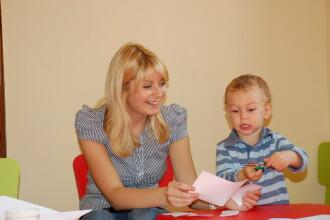 Copiii invata sa socializeze si sa fie creativi numai la gradinita!