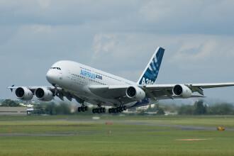 Un avion cu 433 de persoane la bord, afectat de turbulente in India. 22 de persoane au fost ranite