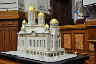 Catedrala Neamului incepe sa prinda contur. Ar putea fi gata in 2013