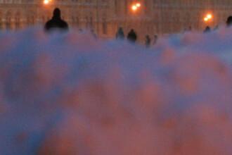 Parisul, rupt de lume. Turnul Eiffel, inchis din cauza caderilor de zapada
