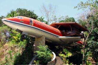 Avioane in copaci, pe post de case! Vezi cum arata in interior