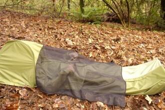 Jacheta-cort, solutia pentru drumetii fara rucsac