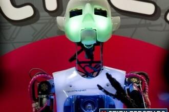 Robotul ce recita Shakespeare si laptopul controlat cu privirea. VIDEO