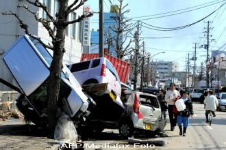 Haos in Japonia. Autobuze proiectate pe cladiri si case pe scoli