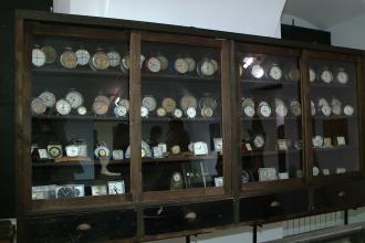 Vezi o colectie impresionanta de ceasuri vechi,din atelierul celui mai priceput ceasornicar banatean