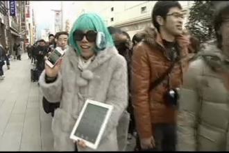 Entuziasmul din strada s-a mutat la bursa. Cozi mai mici pentru iPad3, valori record pentru actiuni