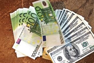 Euro creste puternic fata de dolar, dupa ce grecii se pare ca vor vota partide pro-FMI si UE