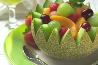 Salate de legume, fructe si lipiile integrale. Meniul ideal al unei diete echilibrate